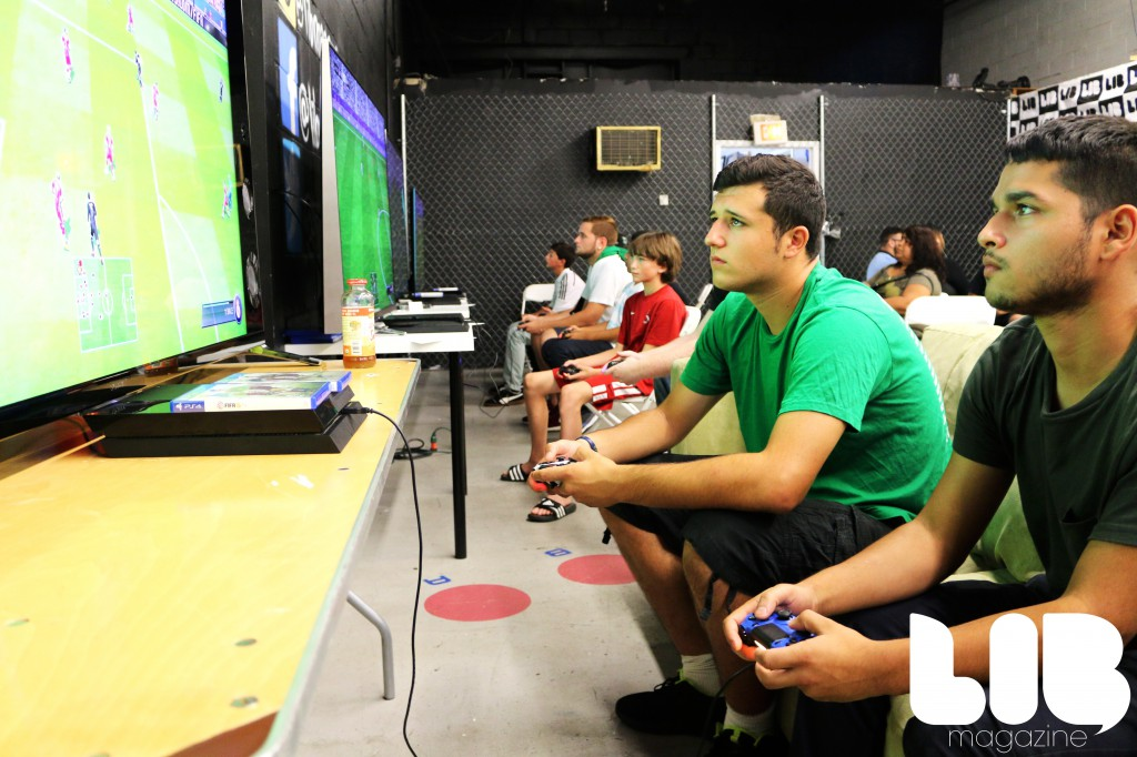 FIFA 15 tournament lib magazine