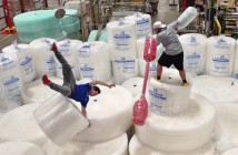 battle of the bubble wrap dudeperfect